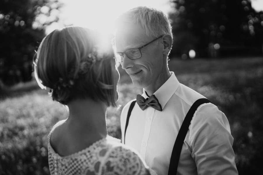 bräutigam gegenlicht