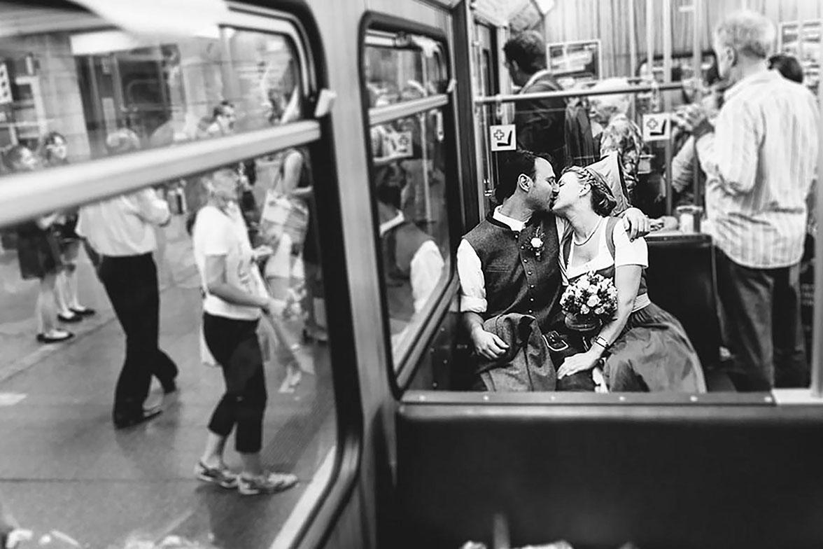 hochzeitsfotograf münchen ubahn